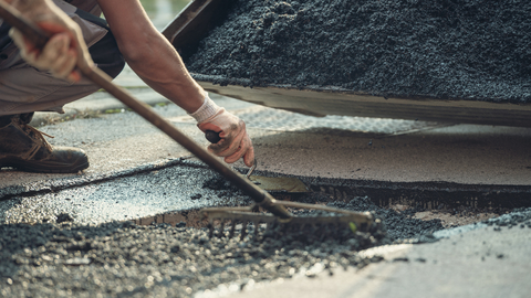 manual_asphalt_work